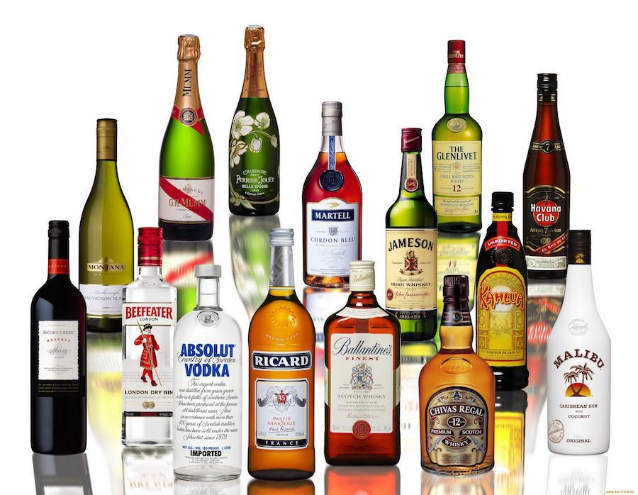 Большое количество алкоголя может стать причиной алкогольного панкреатита