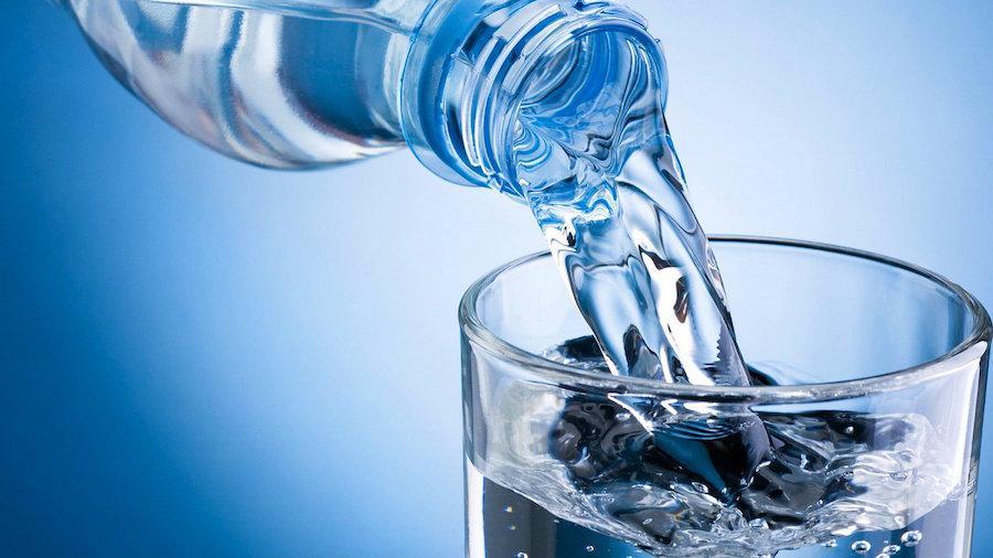При панкреатите рекомендуется пить много воды