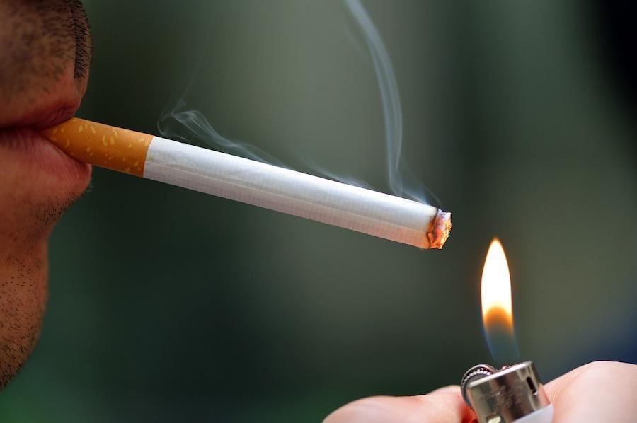Курение - один из провоцирующих обострение факторов